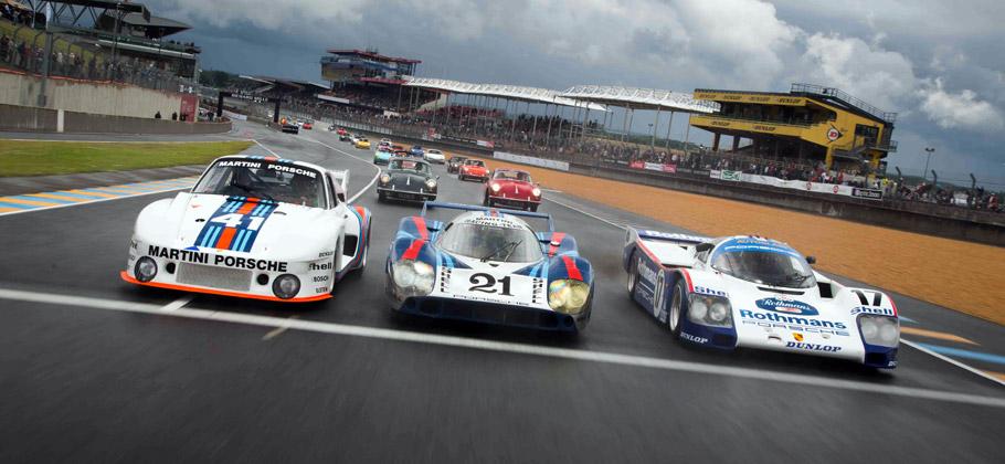 2012: 935 (links), 917 LH (Mitte) und 962 (rechts) bei Le Mans Classic in Frankreich.