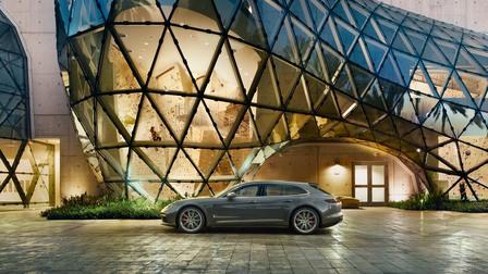 Porsche Pioneers. Arne Quinze en de Panamera Sport Turismo