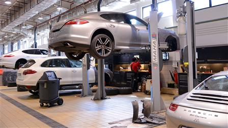 Porsche Centre Kuwait conducts annual Service Clinic