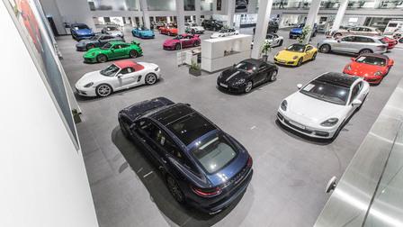 Porsche Centre Oman