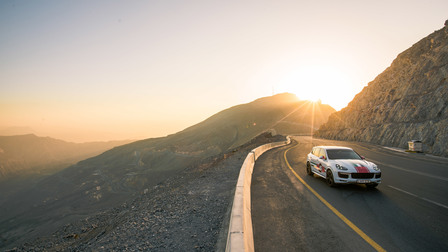 Porsche In Ras-Al-Khaimah, onwards to Jebel Jais