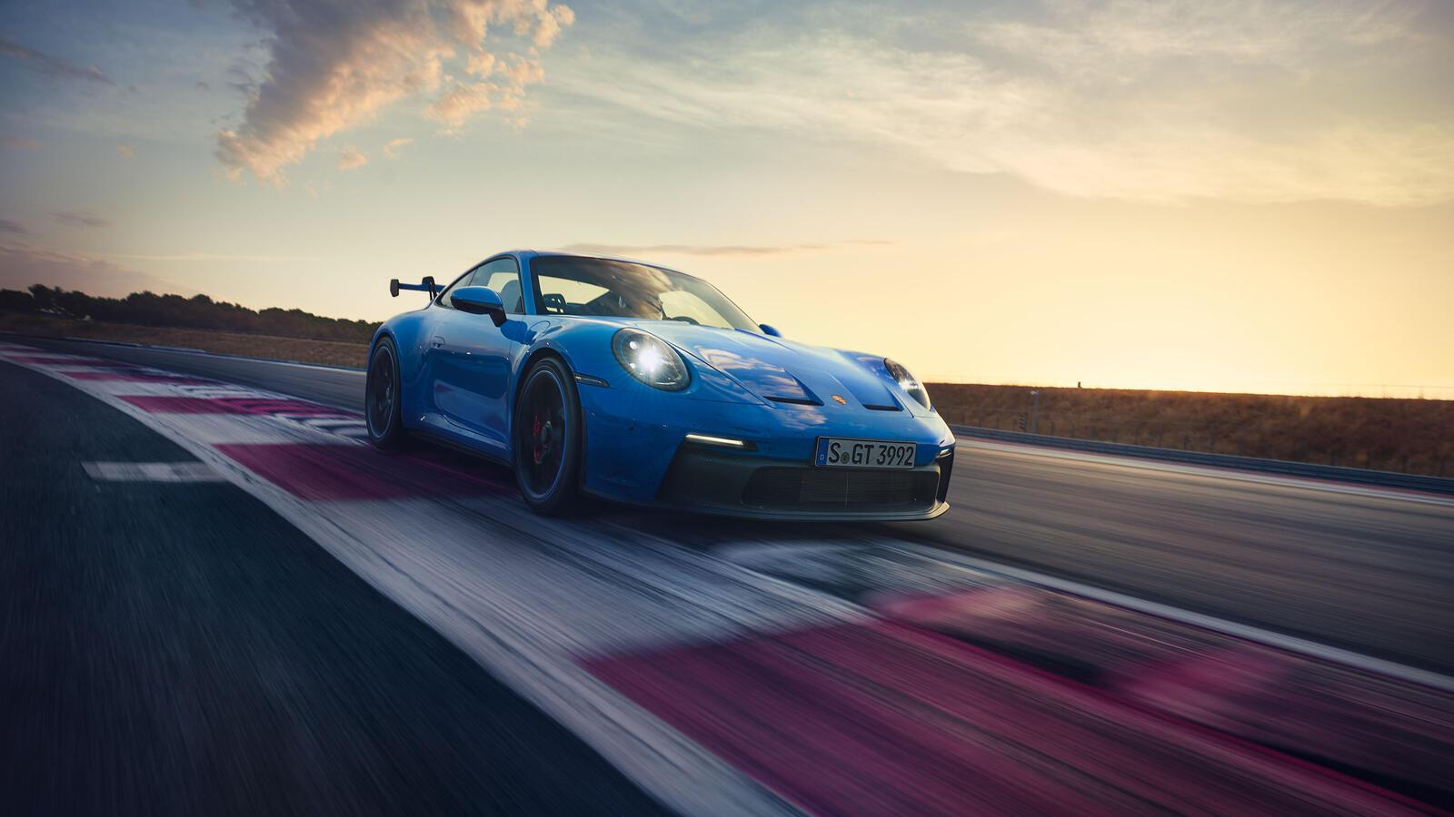 Porsche - 911 GT3  -