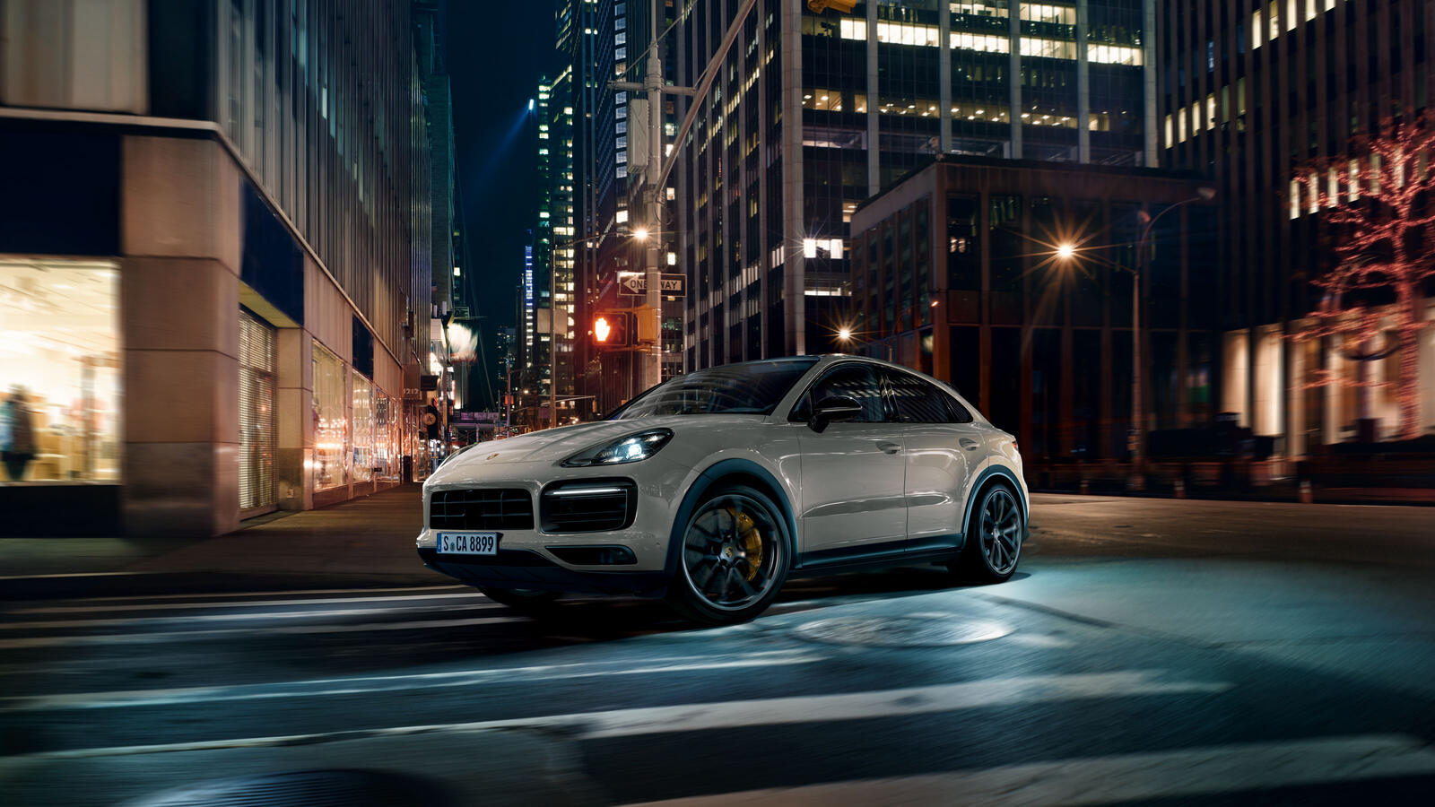 Porsche - Cayenne Coupé - Shaped by performance