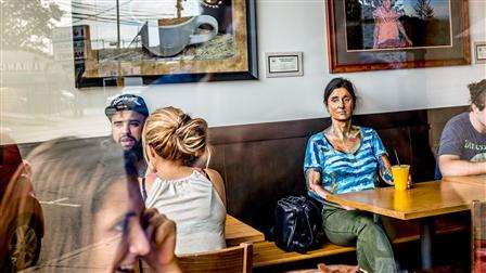 Author Helene Laube at the Café Tierra Mia