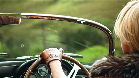 Wooden 3-spoke steering wheel of the Porsche 356 Speedster