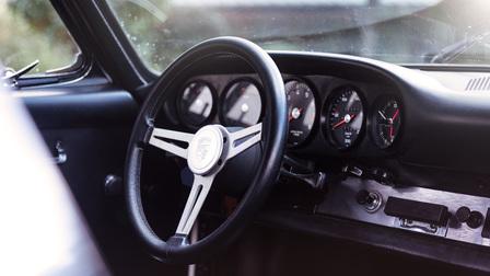 Steering wheel of Porsche 911 T/R