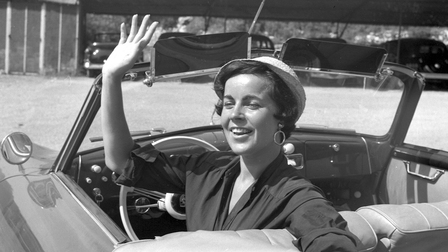 Porsche Young lady with hat