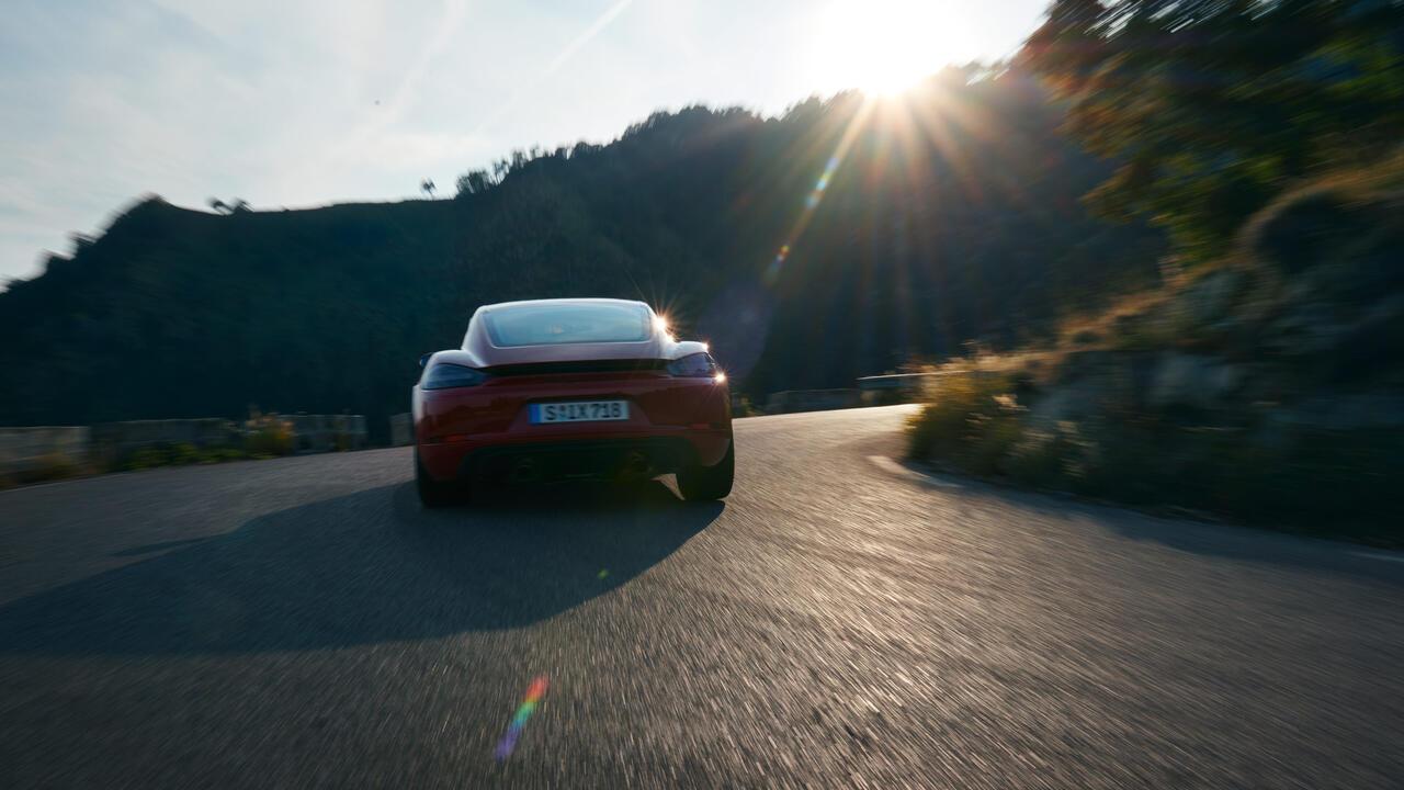 Porsche - 718 Cayman GTS 4.0 - Turvalisus