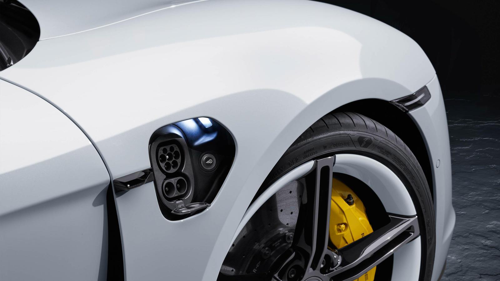 Porsche - Taycan Turbo - Laadimine