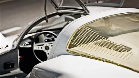Porsche 906 Carrera 6, wing doors