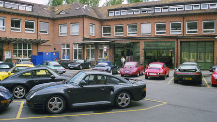 1999: Werk 1 with a 959 in the foreground