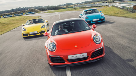 Carrera 4S and 718 on track