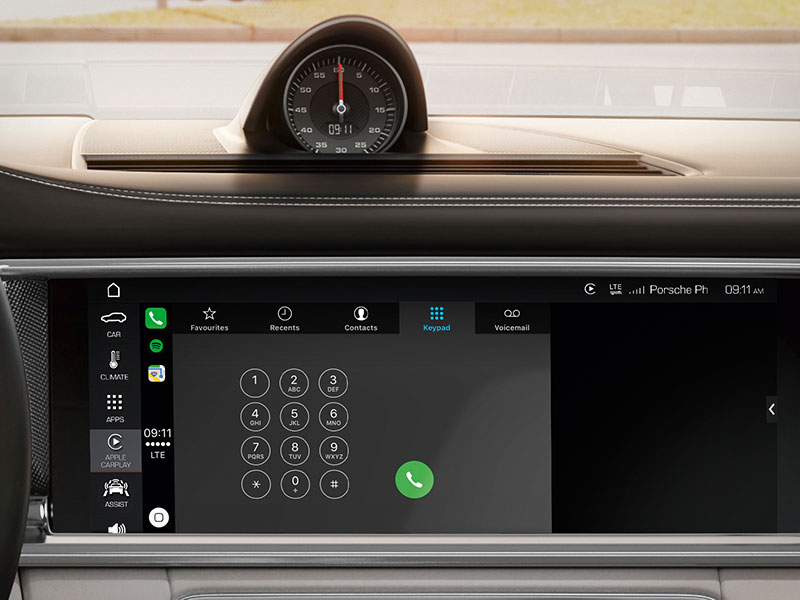 Phone calls with Porsche Apple CarPlay