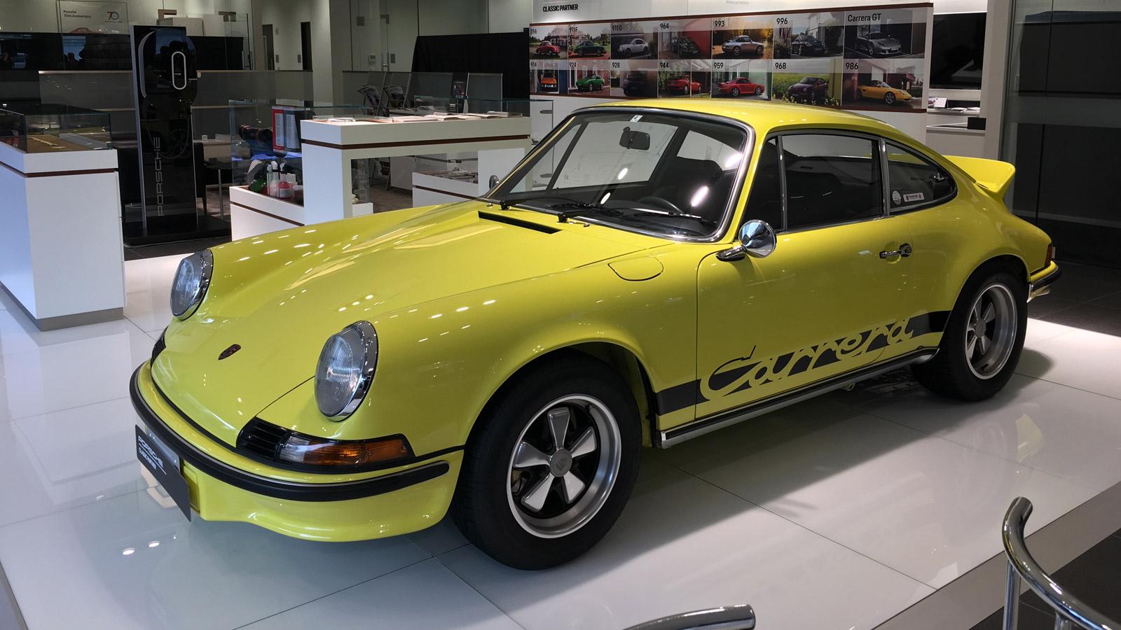 Porsche Centre Sakai