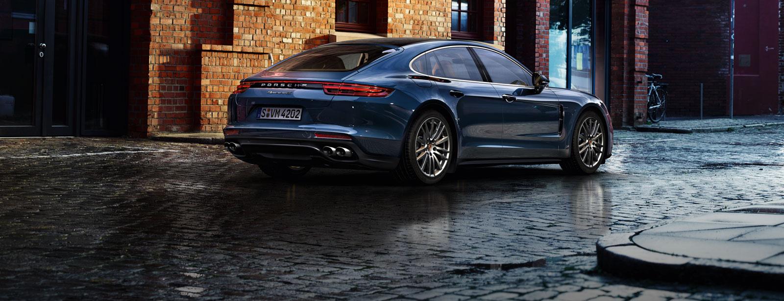 Porsche - Panamera 4S Diesel - Courage changes everything.