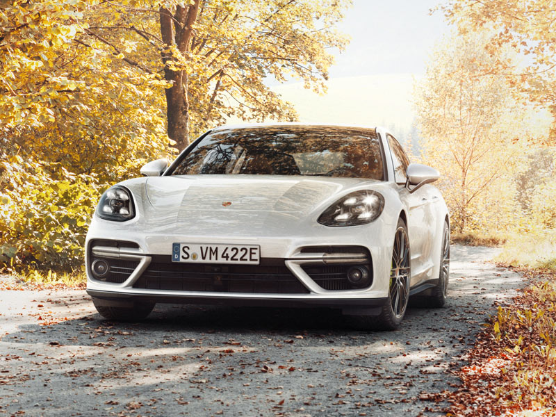 Porsche The new Panamera Turbo - Interactive Microsite