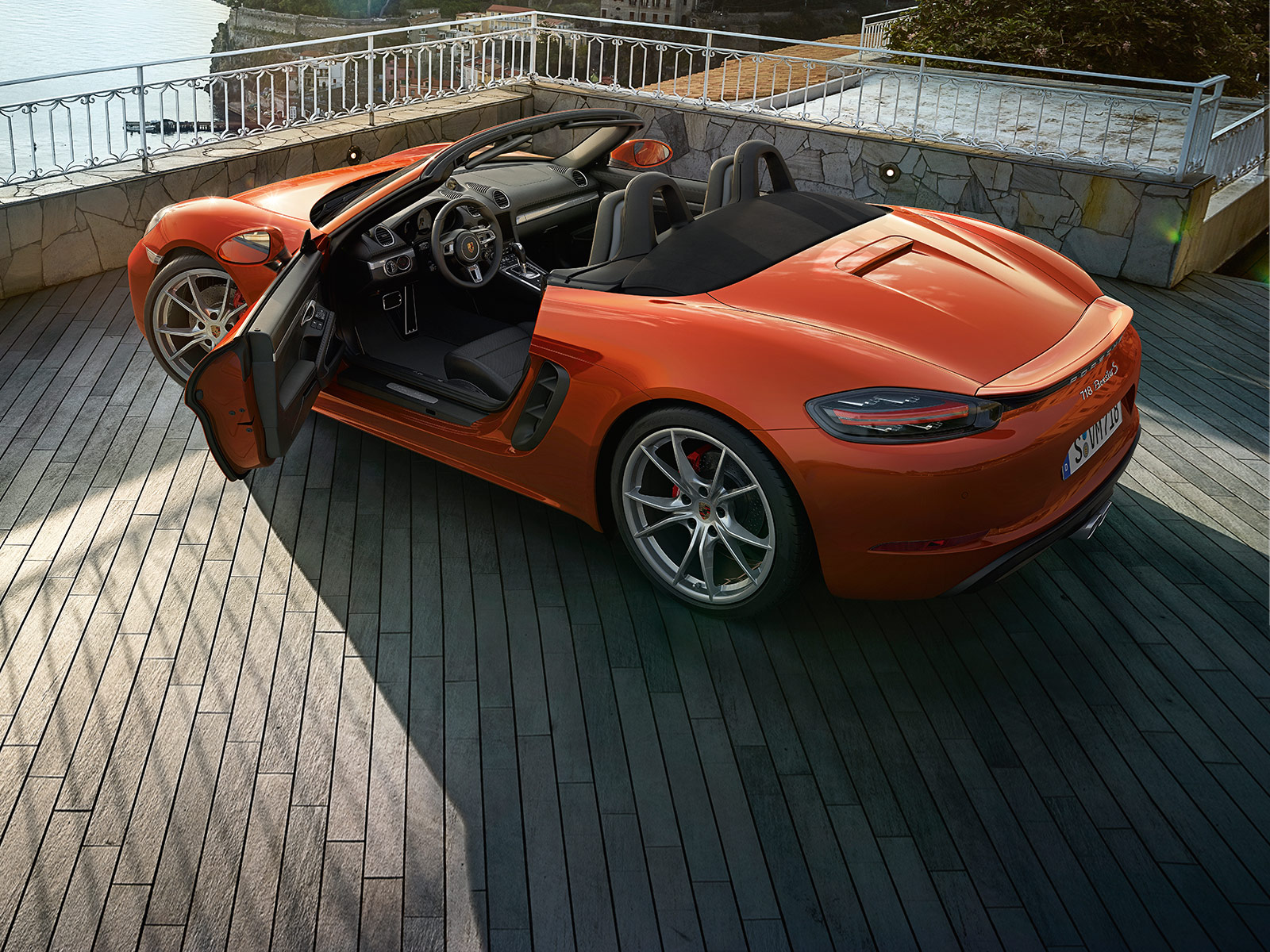 Porsche The new 718 Boxster - Roll-over protection