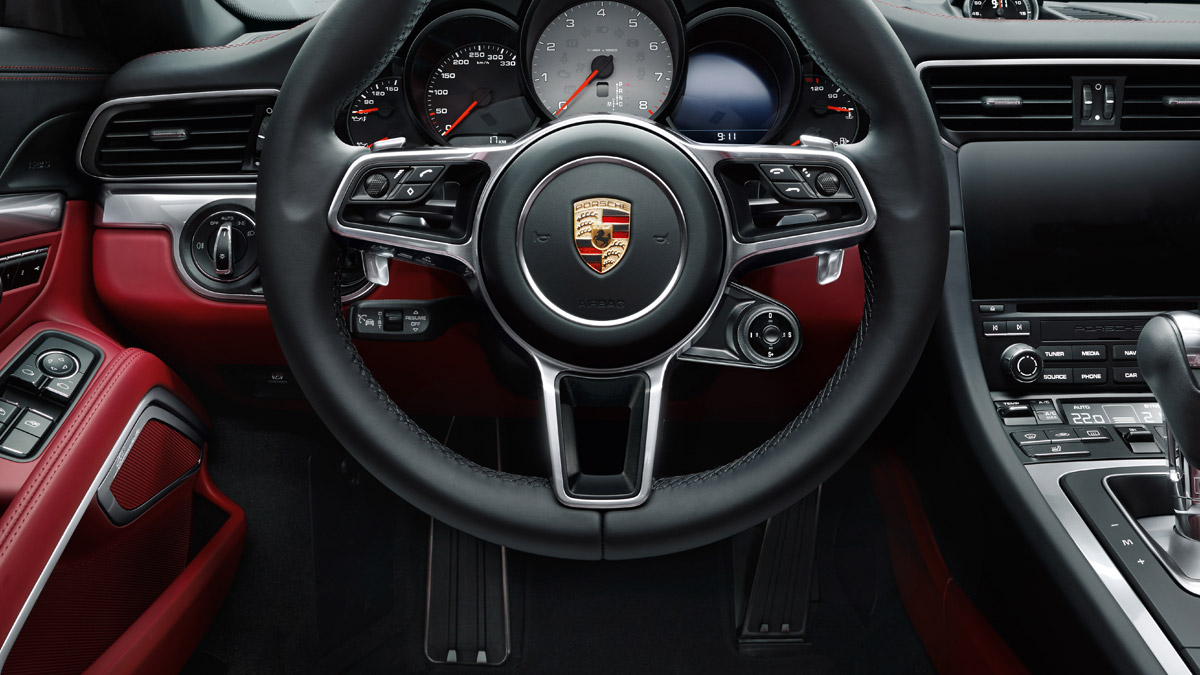 Porsche - Sport: fit for the racetrack