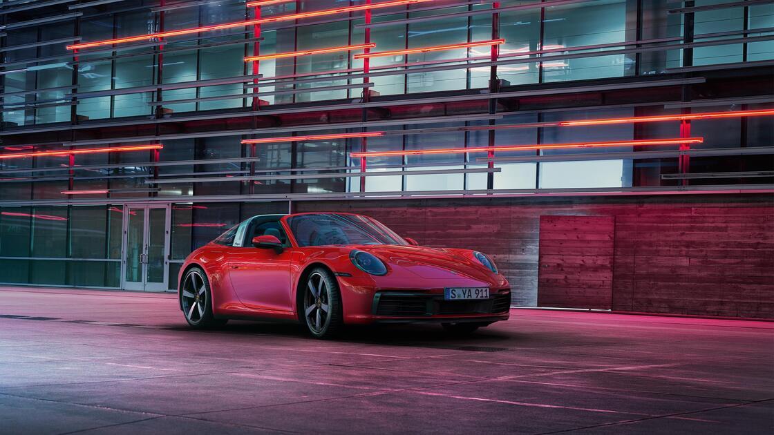 Porsche - 911 Targa 4 - Elegantne, ekstravagantne ja erakordne.