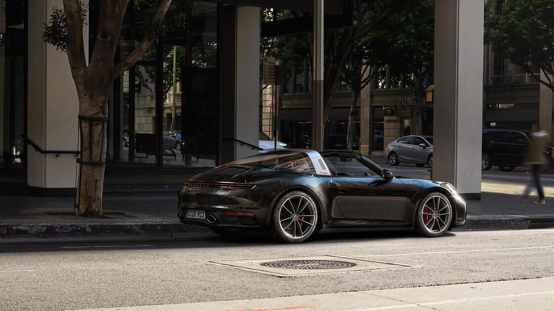 Porsche - 911 Targa 4S - Elegantne, ekstravagantne ja erakordne.