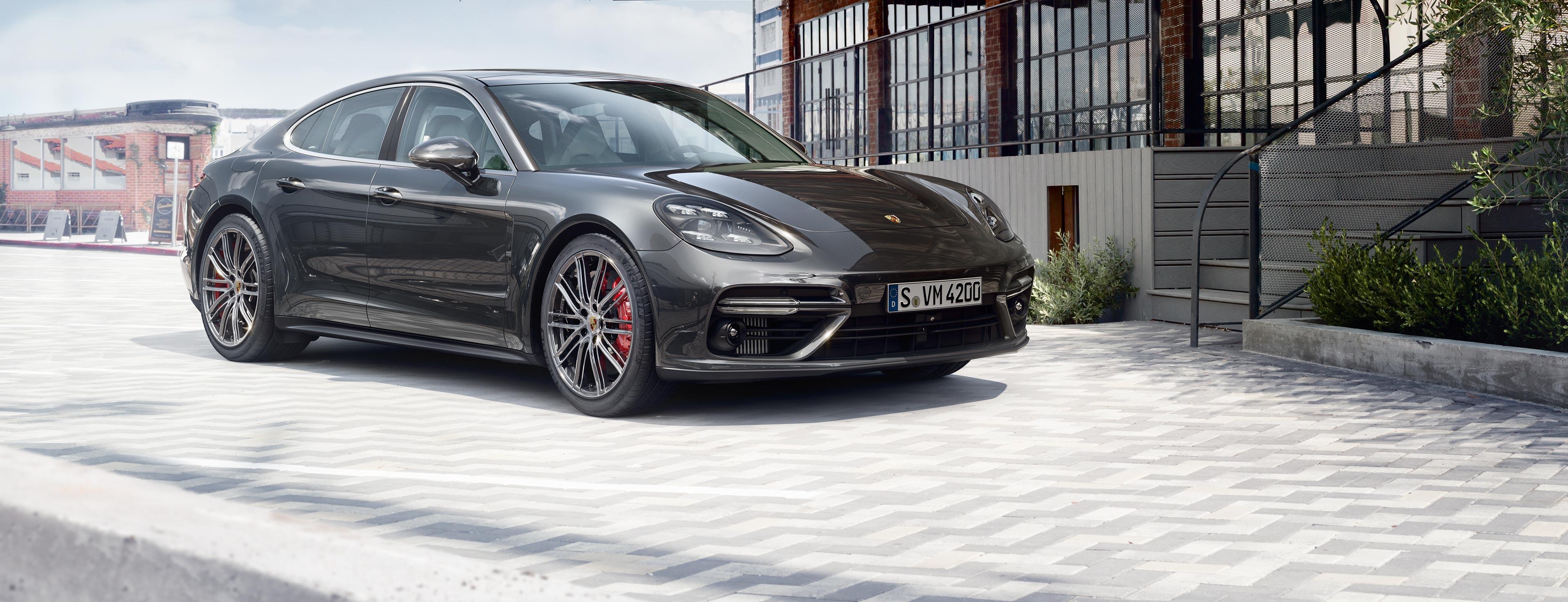 Nowe Porsche Panamera. - Odwaga. To, co wyróżnia zwycięzców.