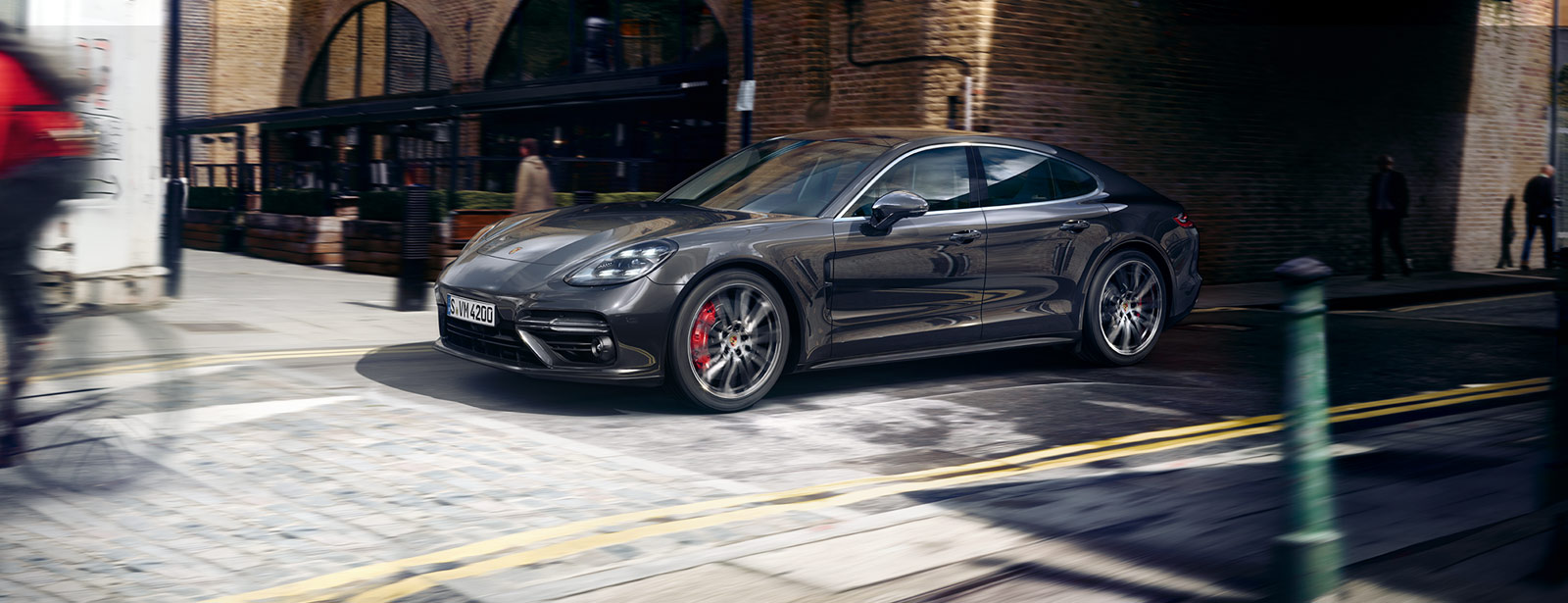 Porsche - Courage changes everything.  - The new Panamera.