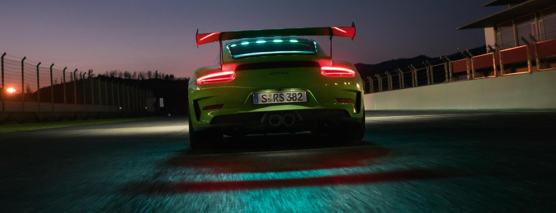 Porsche - 911 GT3 RS -
