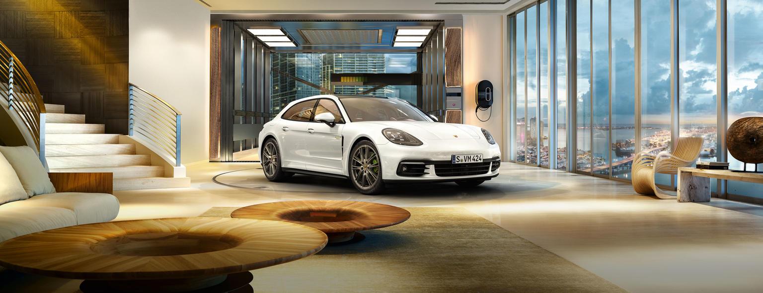 Porsche - Panamera Turbo S E-Hybrid Sport Turismo -