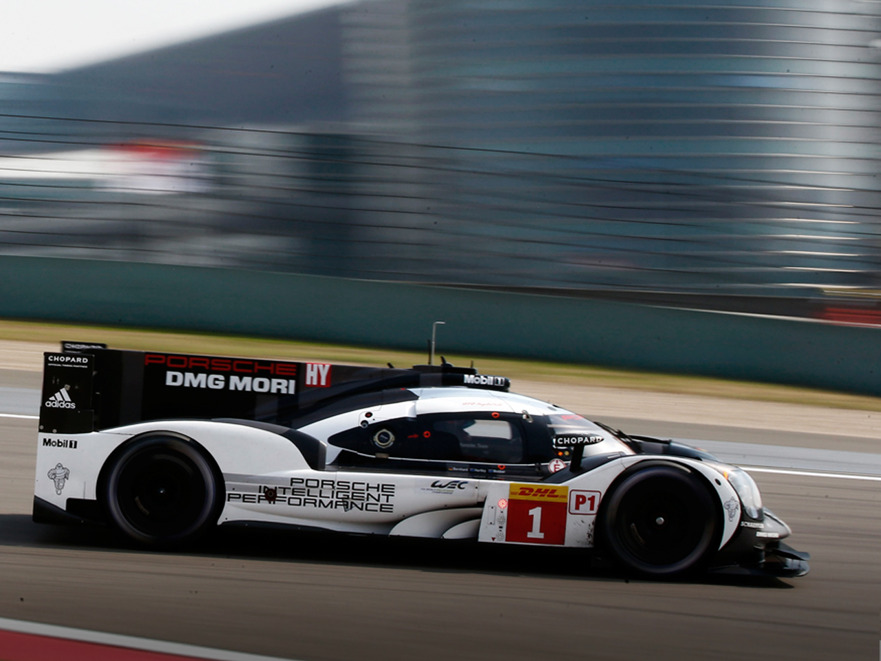 Porsche Porsche wins the FIA WEC 2016