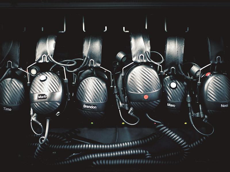 Porsche Behind the Scenes: Pit radio
