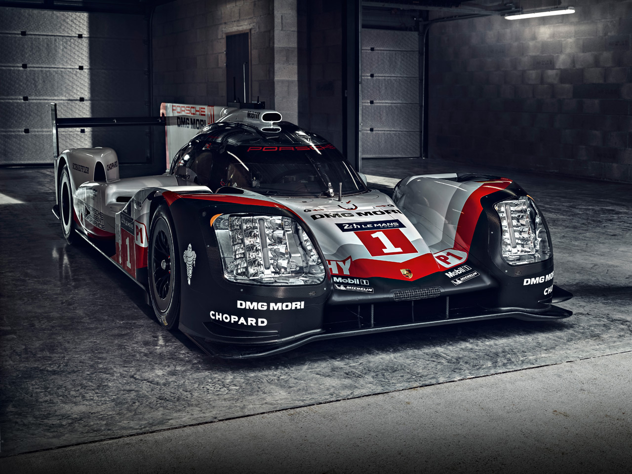 Porsche The 919 Hybrid. Trailblazer.