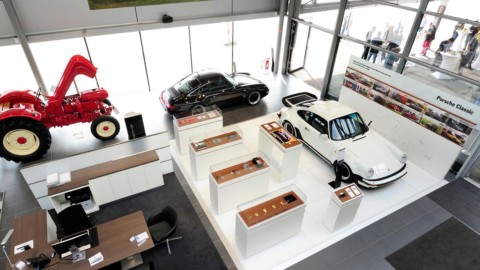Porsche - Порше Центр Бёблинген