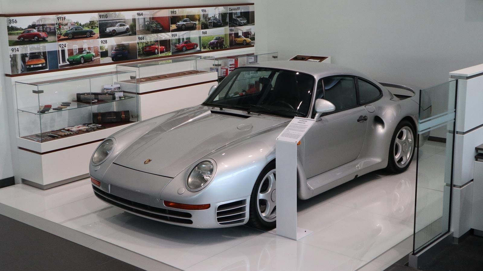 Porsche - Порше Голд-Кост