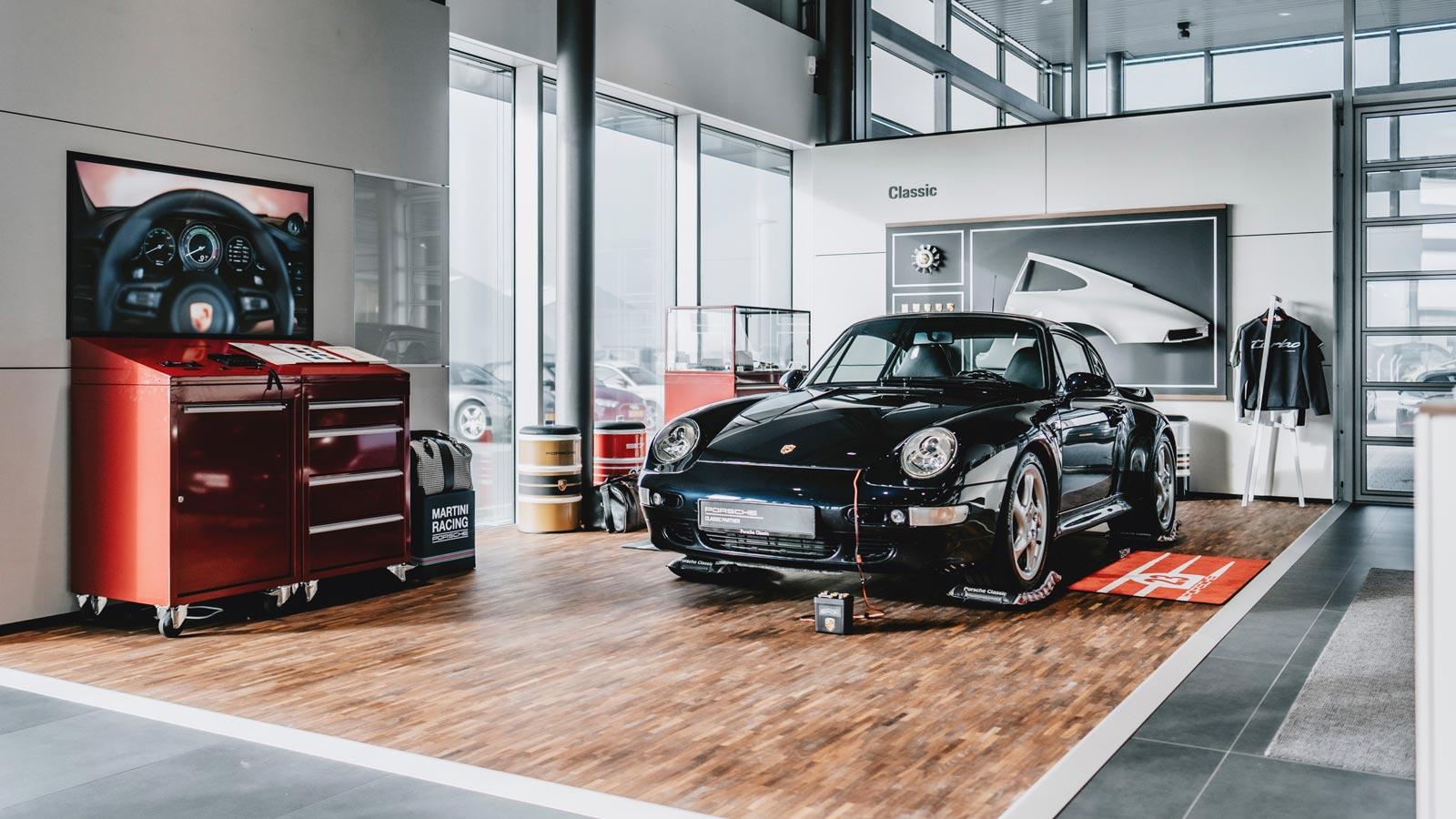 Porsche - Порше Центр Люксембург