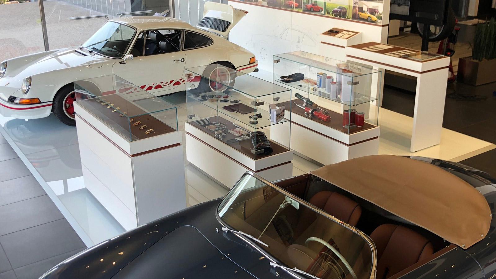 Porsche - Порше Монтерей