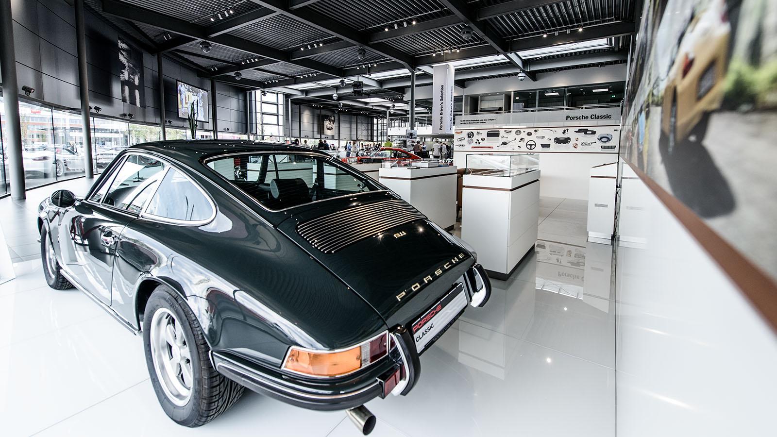Porsche - Порше Центр Нюрнберг-Фюрт-Эрланген