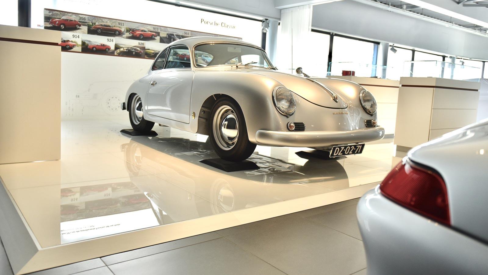Porsche - Порше Центр Роттердам