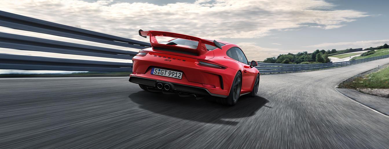 Porsche - Born in Flacht. - The new 911 GT3.
