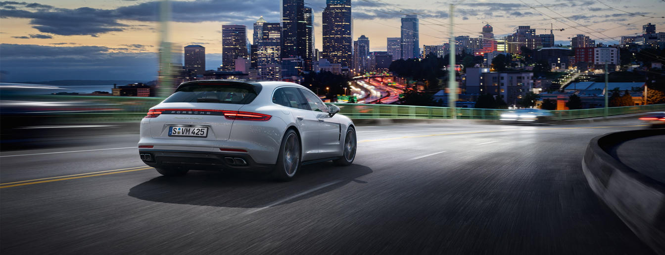 Porsche - Venture on. - The new Panamera Turbo S E-Hybrid Sport Turismo.