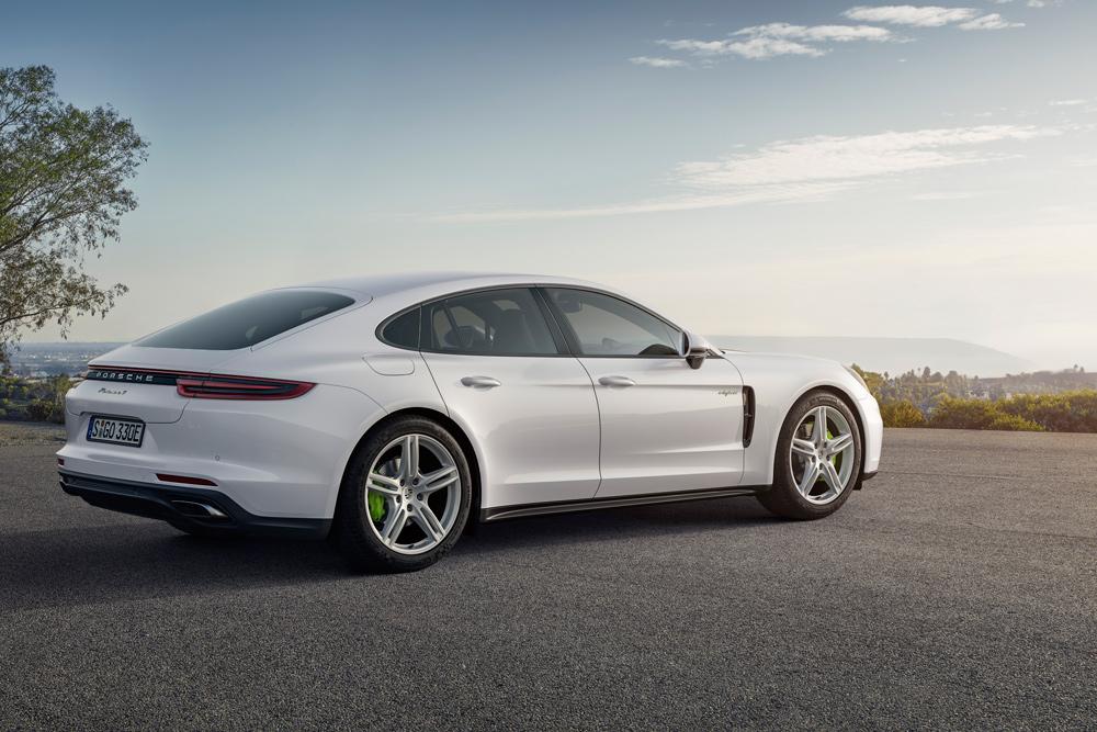 Porsche France: Lancement du nouveau modèle hybride de la Panamera - Porsche France