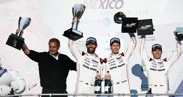 Detlev von Platen, Board Member Sales and Marketing Porsche AG, Porsche Team: Mark Webber, Brendon Hartley, Timo Bernhard (l-r)